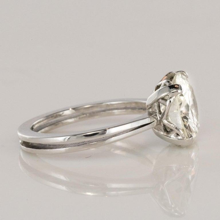 1950s Retro 3.20 Carat Diamond White Gold Solitary Ring For Sale 5