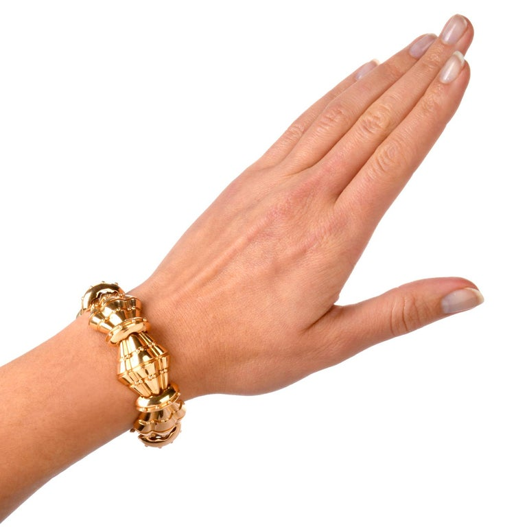 1950s Retro Wide Artisan Barrel Geometric 18 Karat Rose Gold Bracelet In Excellent Condition For Sale In Miami, FL
