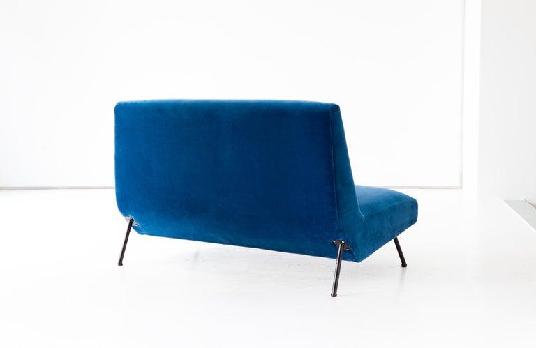 1950s Reupholstered Italian Sofa in Blue Velvet 4