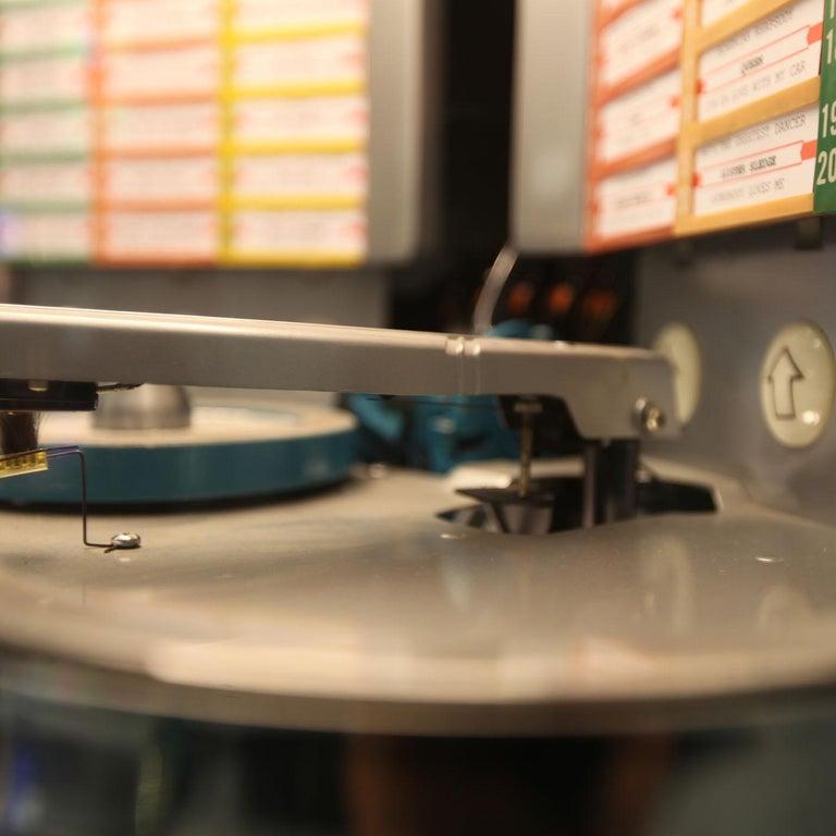 1950s Rock-Ola 1464 Wall-Mounted Vinyl Jukebox In Distressed Condition For Sale In Weybridge, Surrey