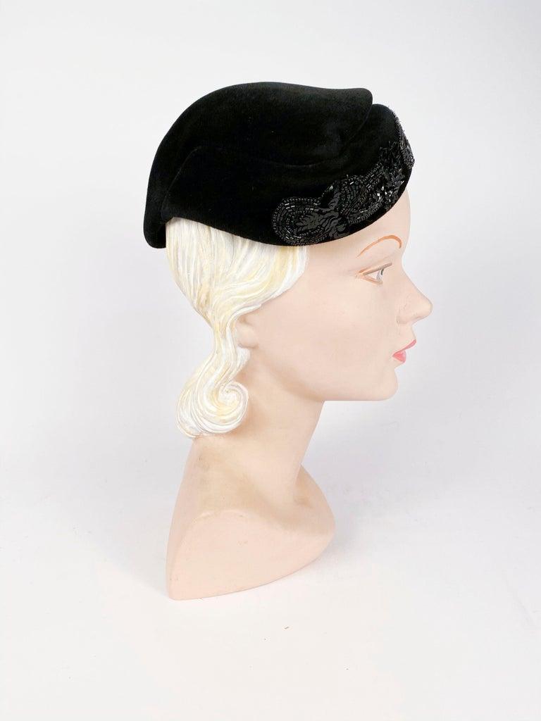 Women's 1950s Roos Bros. Black Velvet Hat For Sale