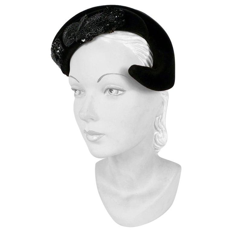 1950s Roos Bros. Black Velvet Hat For Sale