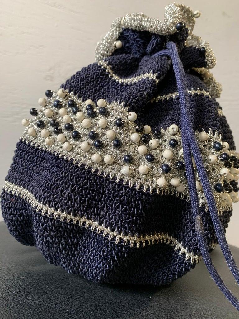 1950s Round Navy & Silver Metallic Crochet Summer Handbag W/ Wooden Beading For Sale 2