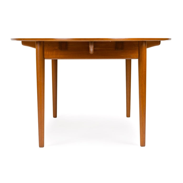 Mid-20th Century 1950s Scandinavian Modern Judas Dining Table by Finn Juhl for Niels Vodder For Sale