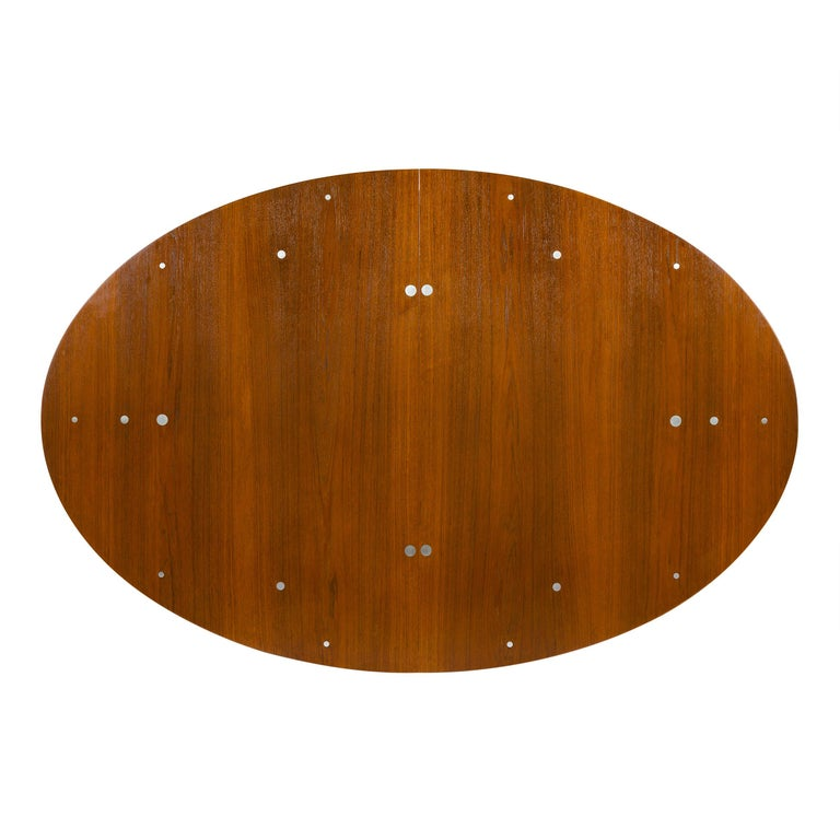 1950s Scandinavian Modern Judas Dining Table by Finn Juhl for Niels Vodder For Sale 1