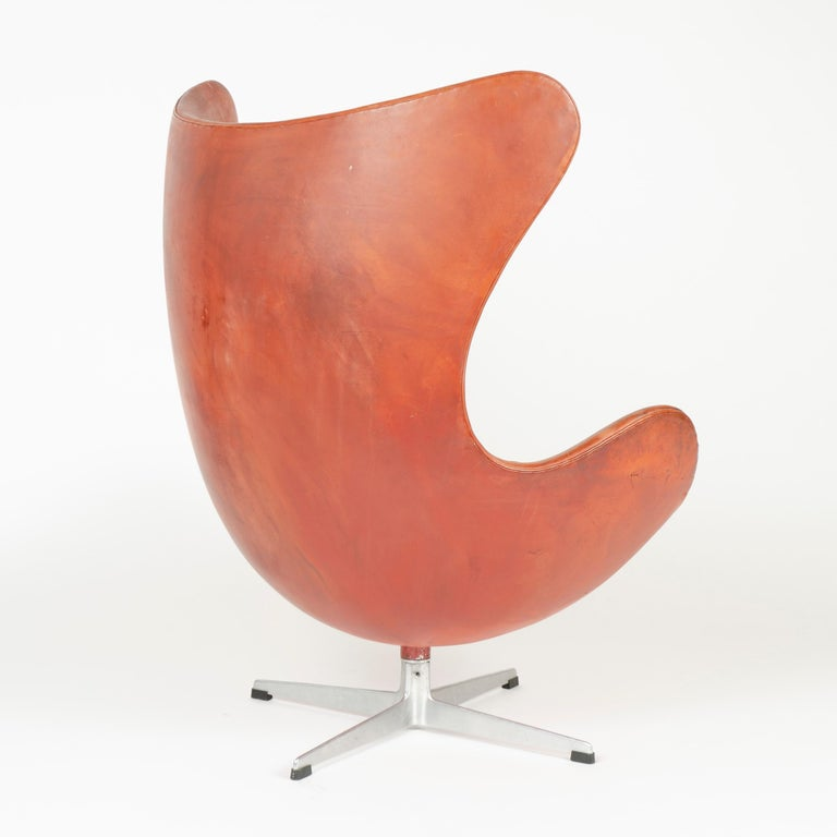 Mid-20th Century 1950s Scandinavian Modern Lounge Chair by Arne Jacobsen for Fritz Hansen For Sale