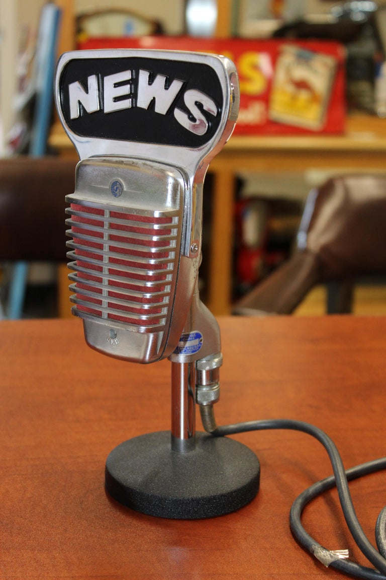 1950s Shure Model 51 Dynamic Microphone with News Topper For Sale 11