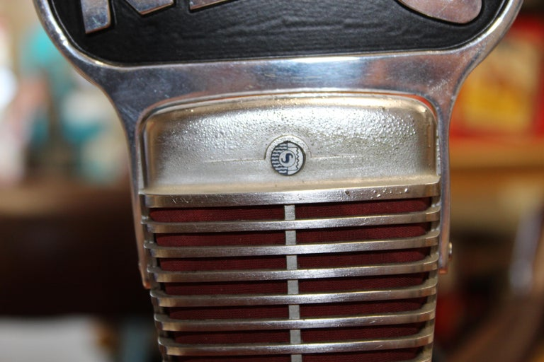 American 1950s Shure Model 51 Dynamic Microphone with News Topper For Sale