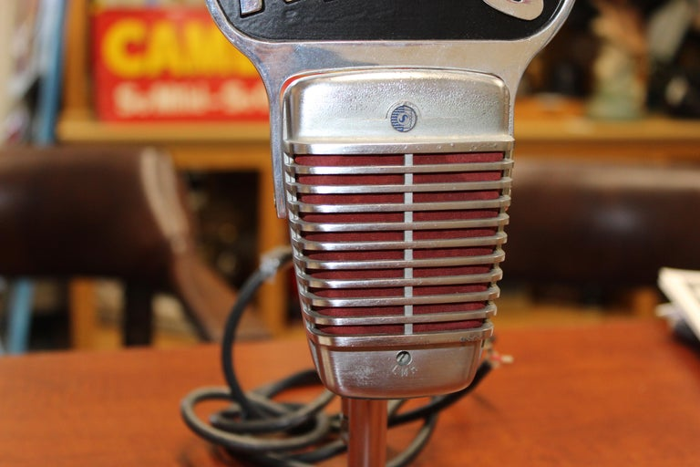 Mid-20th Century 1950s Shure Model 51 Dynamic Microphone with News Topper For Sale