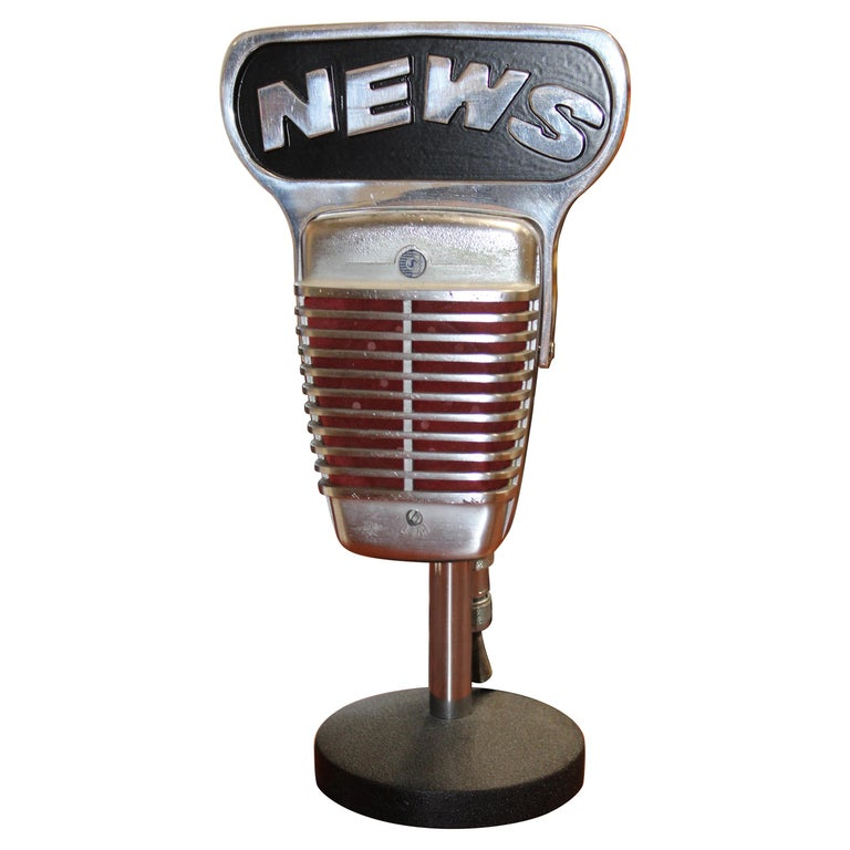 1950s Shure Model 51 Dynamic Microphone with News Topper For Sale