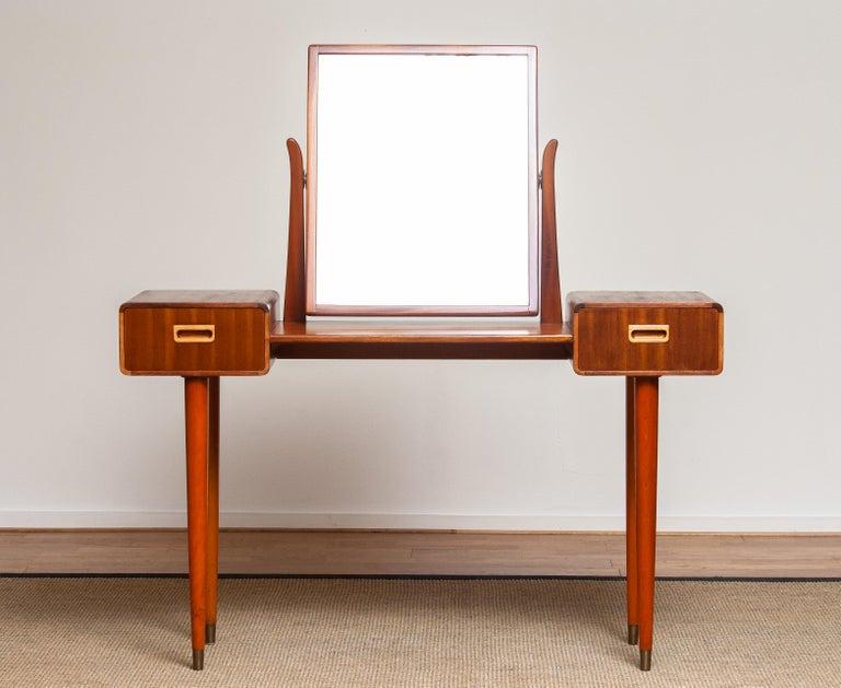 1950's Slim Mahogany Dressing Table / Vanity by Tibro, Sweden In Good Condition In Silvolde, Gelderland