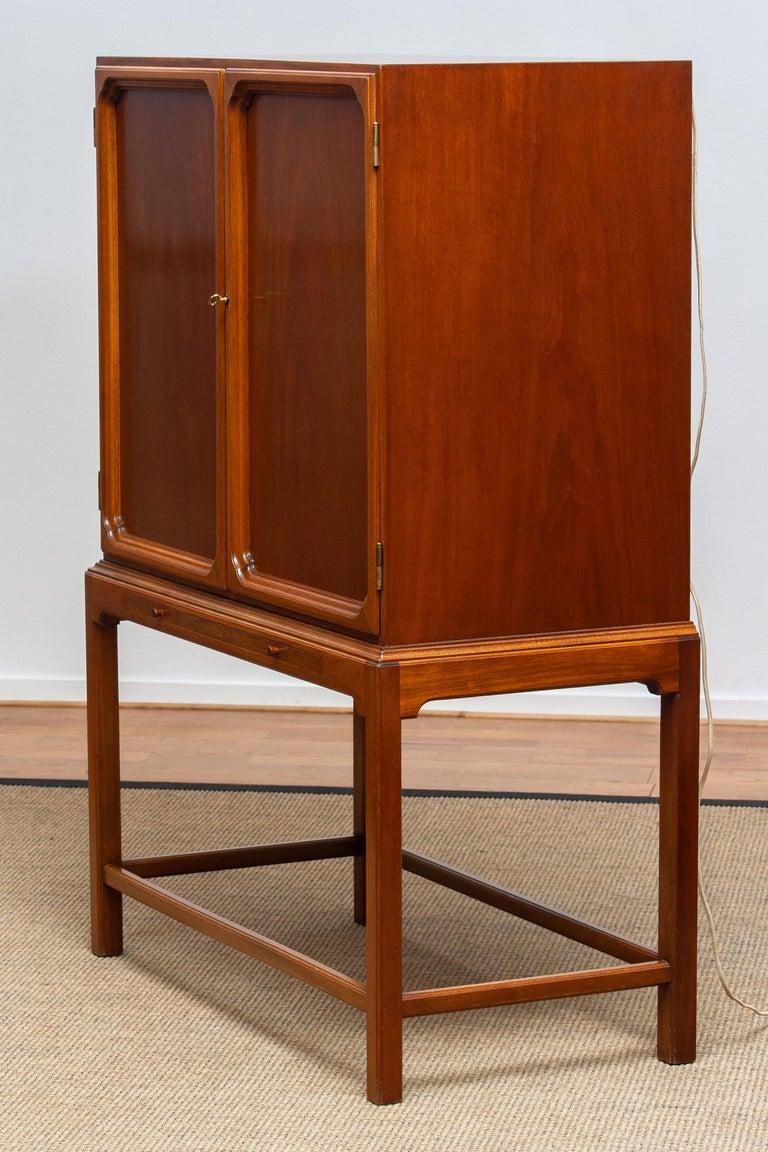 1950s, Slim Scandinavian Midcentury Mahogany Dry Bar / Luxury Cabinet 7