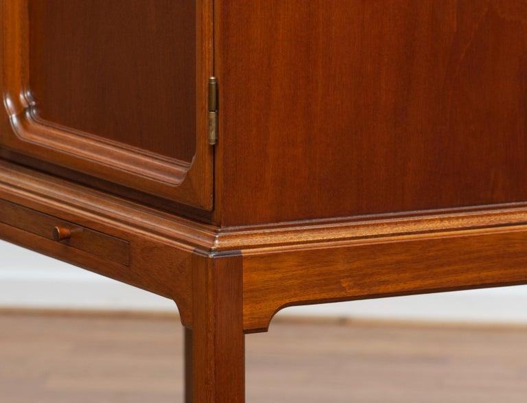1950s, Slim Scandinavian Midcentury Mahogany Dry Bar / Luxury Cabinet 8