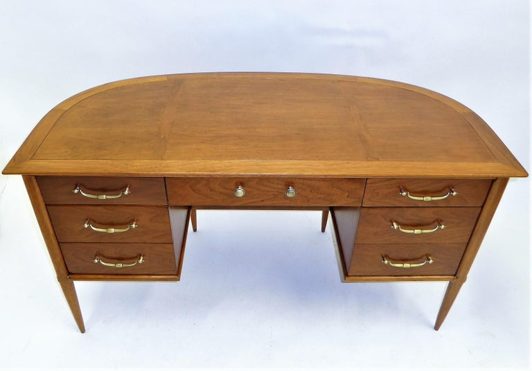 American 1950s Sophisticates Walnut Desk by John Lubberts & Lambert Mulder for Tomlinson For Sale