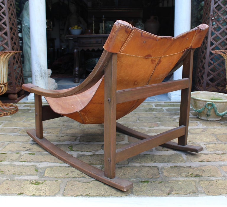 1950s Spanish Wood and Leather Rocking Chair For Sale 1