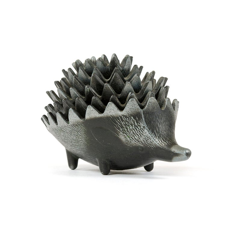Mid-Century Modern 1950s Stackable Hedgehog Ashtrays For Sale