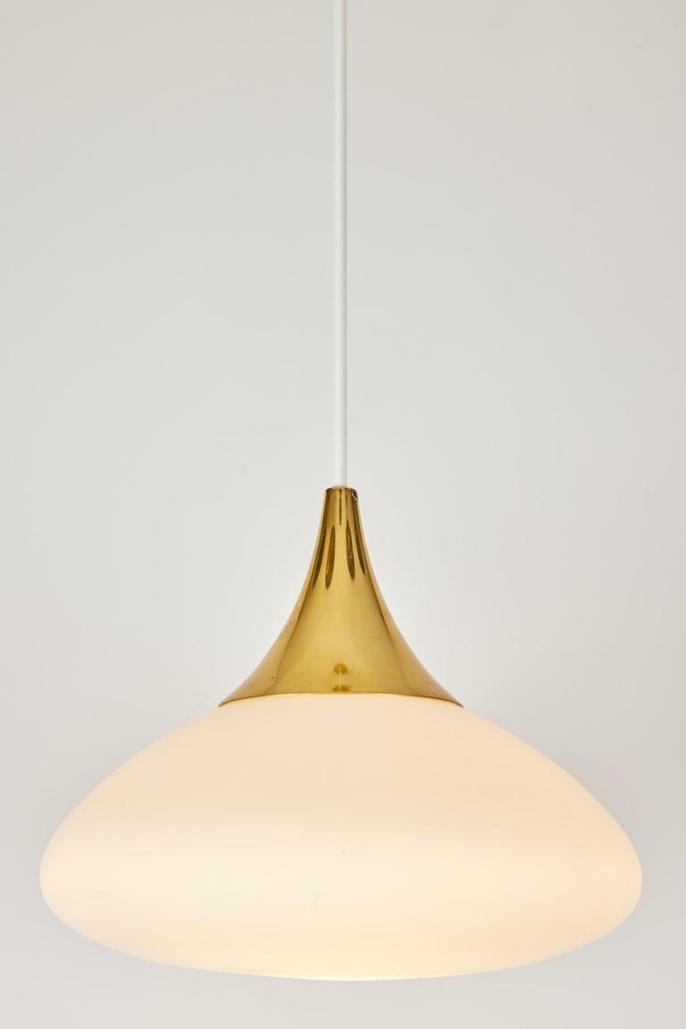 Mid-Century Modern 1950s Stilnovo Glass and Brass Pendant For Sale