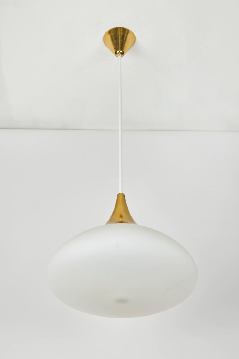 Painted 1950s Stilnovo Glass and Brass Pendant For Sale