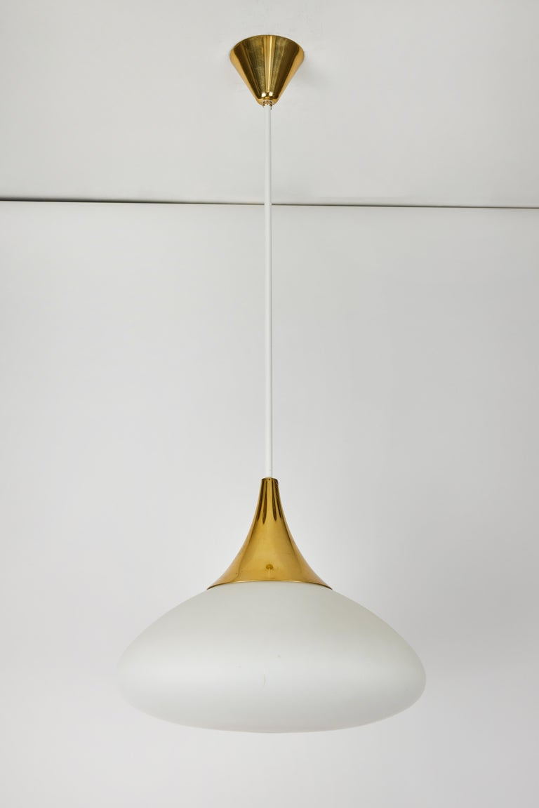 Mid-20th Century 1950s Stilnovo Glass and Brass Pendant For Sale