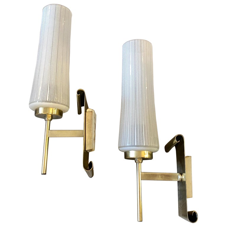 1950s Stilnovo Style Mid-Century Modern Set of Two Brass and Glass Wall Sconces For Sale
