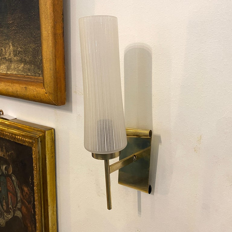 Italian 1950s Stilnovo Style Mid-Century Modern Set of Two Brass and Glass Wall Sconces For Sale