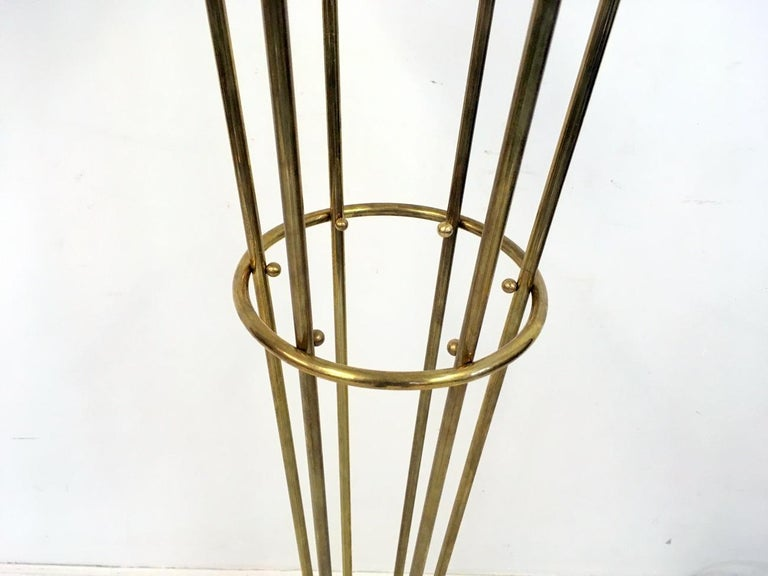 1950s Style Italian Glass Ball and Brass Floor Lamp In New Condition For Sale In London, London