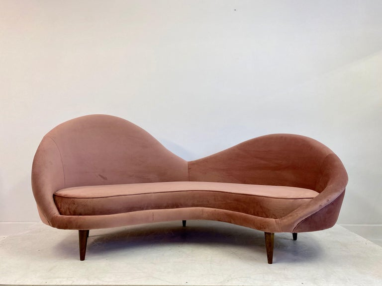 Mid-Century Modern 1950s Style Italian Sofa in Soft Pink Velvet For Sale