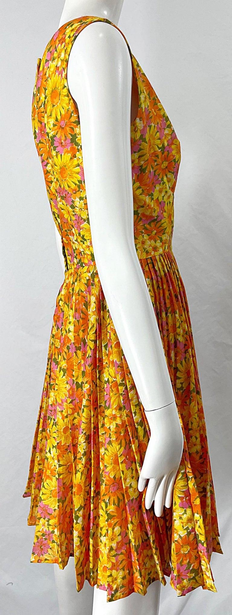 1950s Suzy Perette Yellow Pink Orange Daisy Print Cotton Vintage 50s Dress For Sale 5