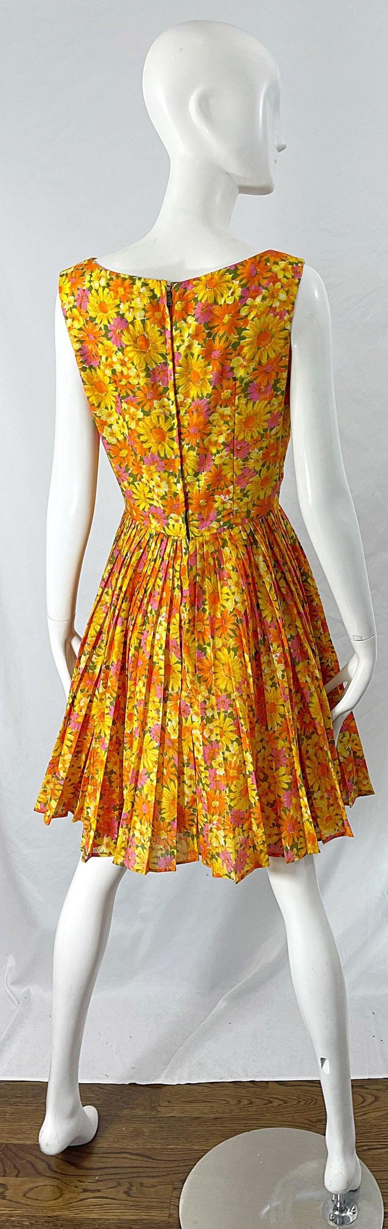 1950s Suzy Perette Yellow Pink Orange Daisy Print Cotton Vintage 50s Dress For Sale 7