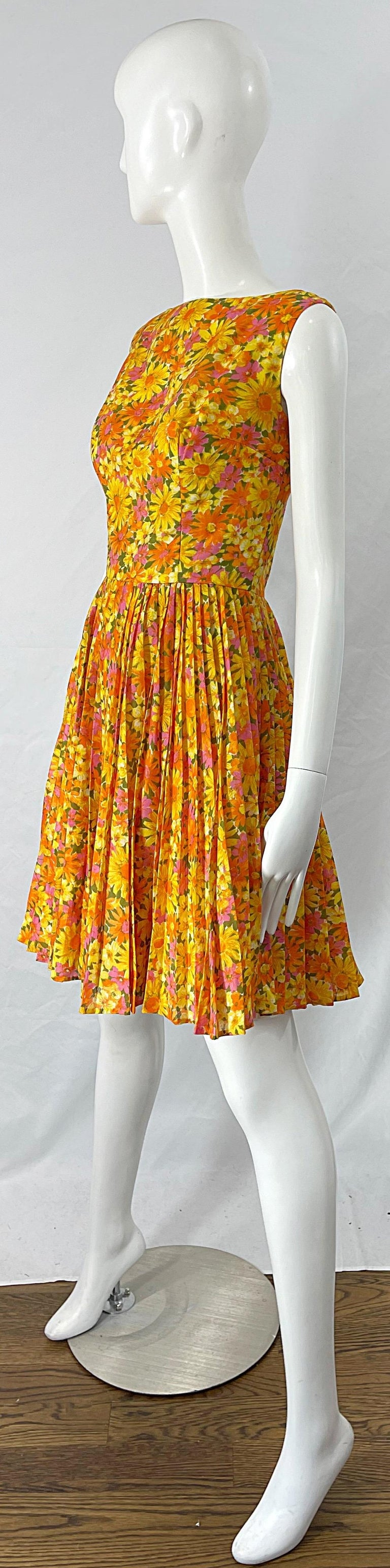 1950s Suzy Perette Yellow Pink Orange Daisy Print Cotton Vintage 50s Dress For Sale 8
