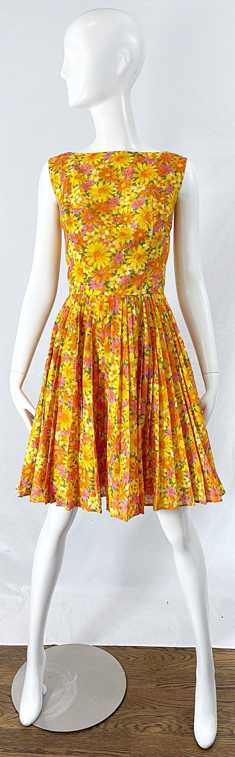 1950s Suzy Perette Yellow Pink Orange Daisy Print Cotton Vintage 50s Dress For Sale 9