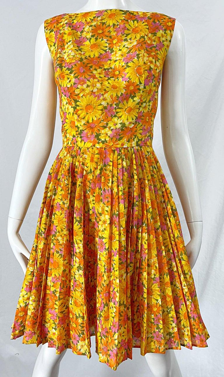 1950s Suzy Perette Yellow Pink Orange Daisy Print Cotton Vintage 50s Dress For Sale 4