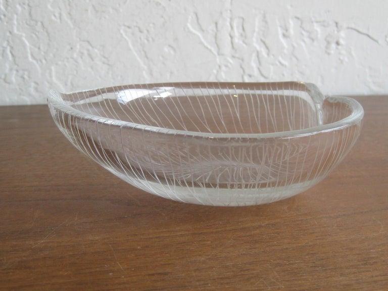 1950s Tapio Wirkkala for Iittala Finnish Studio Art Glass Figural Leaf Bowl Dish For Sale 4