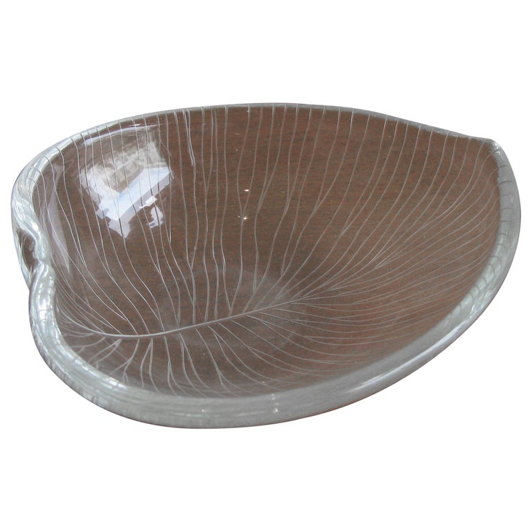 1950s Tapio Wirkkala for Iittala Finnish Studio Art Glass Figural Leaf Bowl Dish For Sale