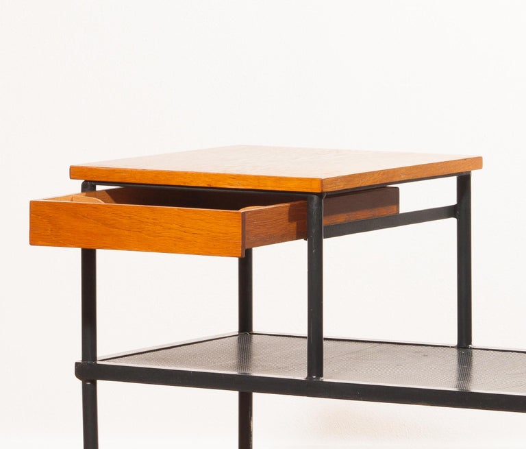 1950s Teak and Metal Side Table In Good Condition For Sale In Silvolde, Gelderland