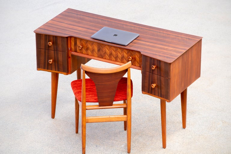 1950s Teak and Walnut Writing Desk with Marquetry For Sale 3