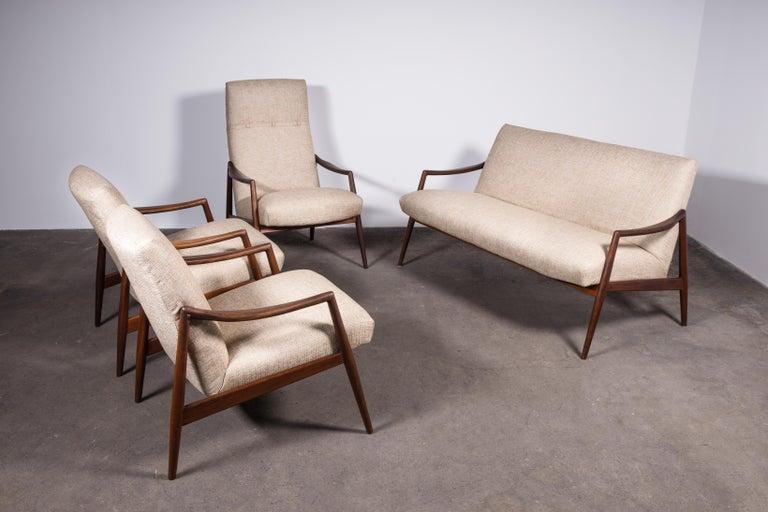 1950s Teak Loveseat Sofa by Lohmeyer Upholstered à la Coco Chanel For Sale 1