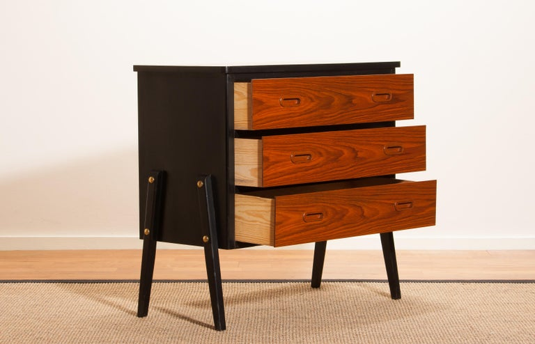1950s, Teak Small Chest of Drawers by Gyllenvaans Möbler, Sweden In Good Condition For Sale In Silvolde, Gelderland