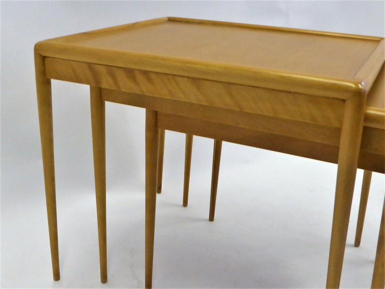 1950s Robsjohn-Gibbings Mid Century Modern Nesting Stacking Tables for Widdicomb In Good Condition For Sale In Miami, FL