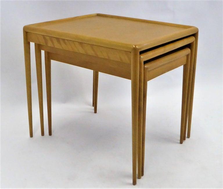 1950s Robsjohn-Gibbings Mid Century Modern Nesting Stacking Tables for Widdicomb For Sale 1