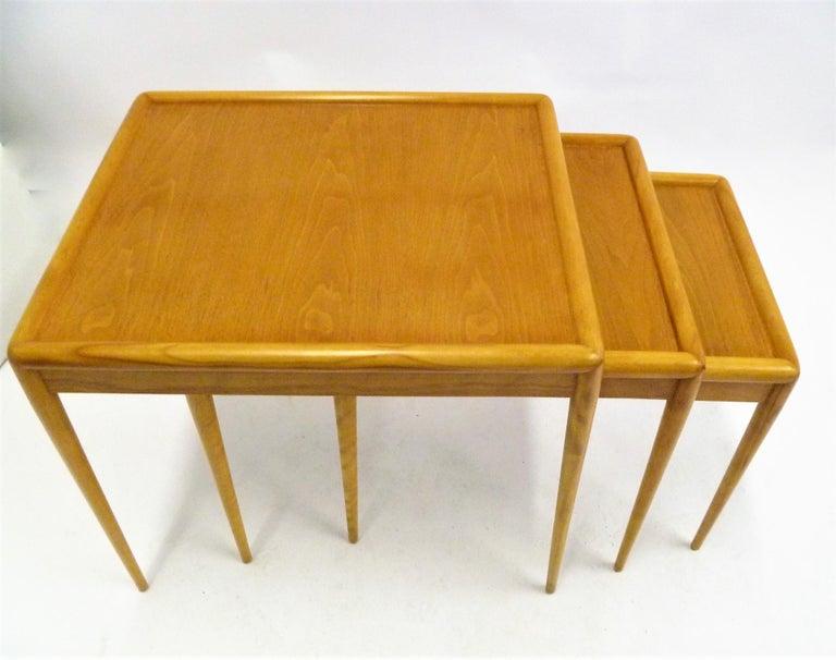 American T.H. Robsjohn Gibbings MidCentury  Modern Walnut Nesting Tables Widdicomb 1950s For Sale