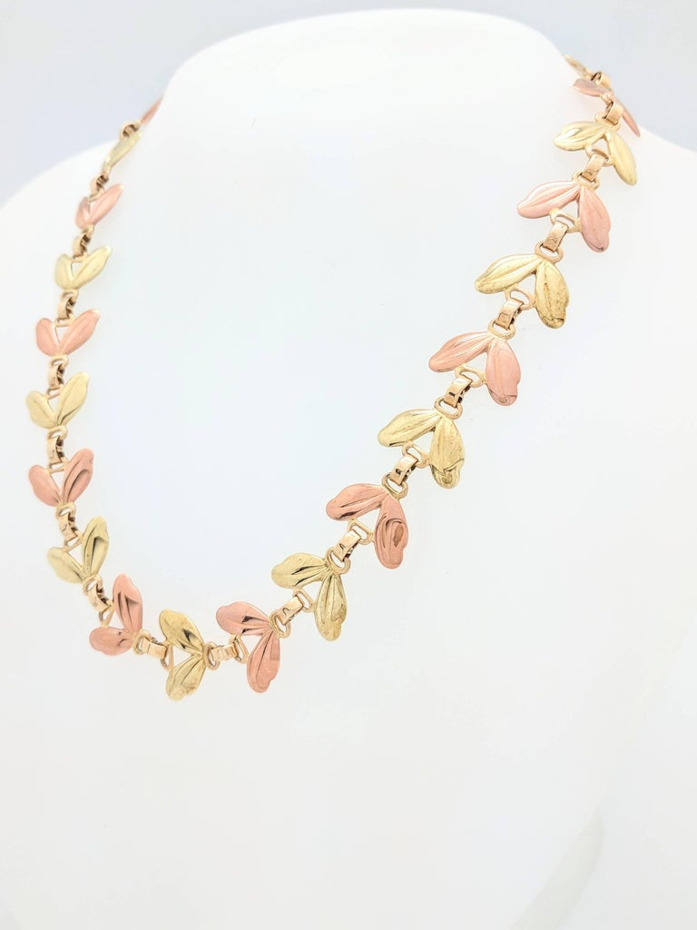 1950s Tiffany & Co. Pink and Yellow Gold Leaf Necklace In Good Condition For Sale In Gainesville, FL