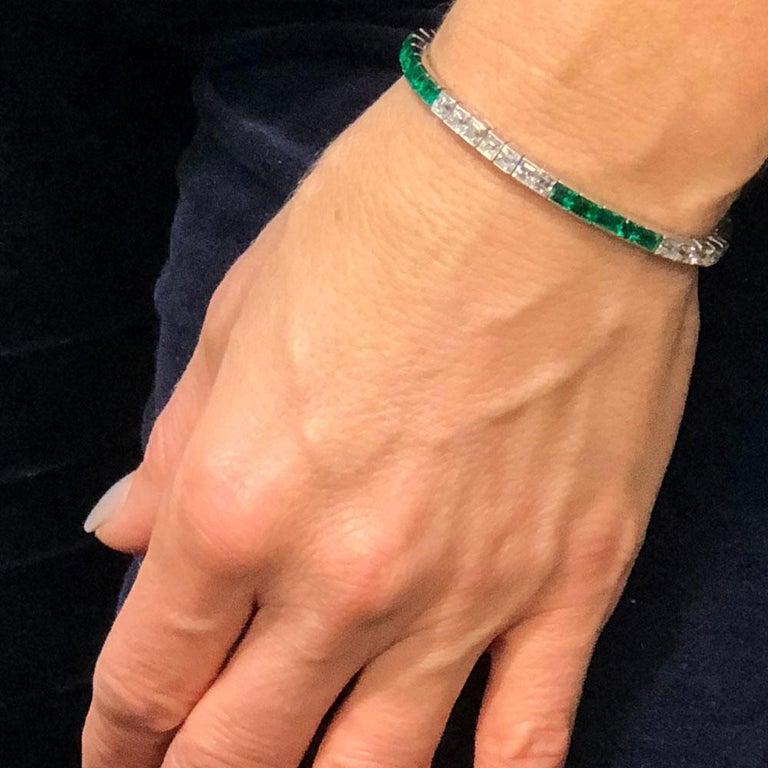 Art Deco 1950s Tiffany & Co. Diamond Emerald Platinum Line Bracelet For Sale