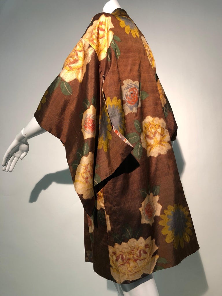 1950s Tobacco Brown Silk Kimono W/ Autumnal Floral Pattern & Contrasting Lining 2