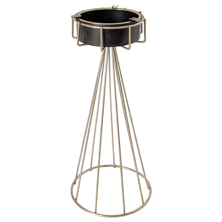 1950s Tony Paul Floor\Standing Wire Ashtray, USA For Sale