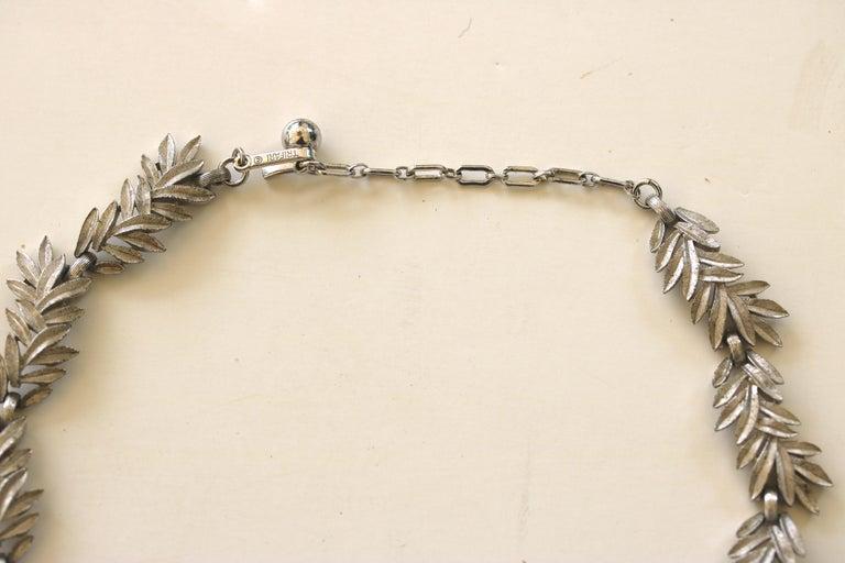 1950s Trifari Organic Modern Silver Leaf Necklace & Earrings Set For Sale 1