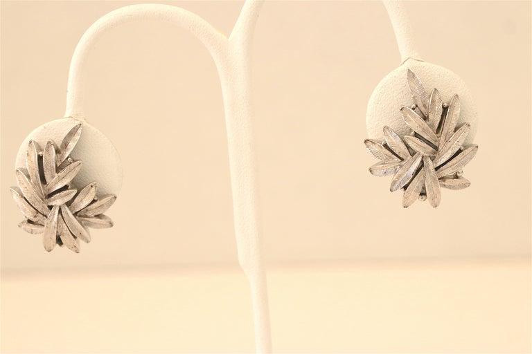 1950s Trifari Organic Modern Silver Leaf Necklace & Earrings Set For Sale 3