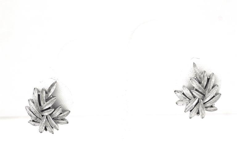 1950s Trifari Organic Modern Silver Leaf Necklace & Earrings Set For Sale 4