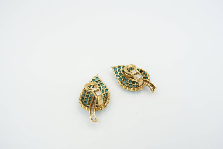 1950s Turquoise Diamond Gold Flower Bouquet Brooch and Leaf Clip on Earrings Set For Sale 3