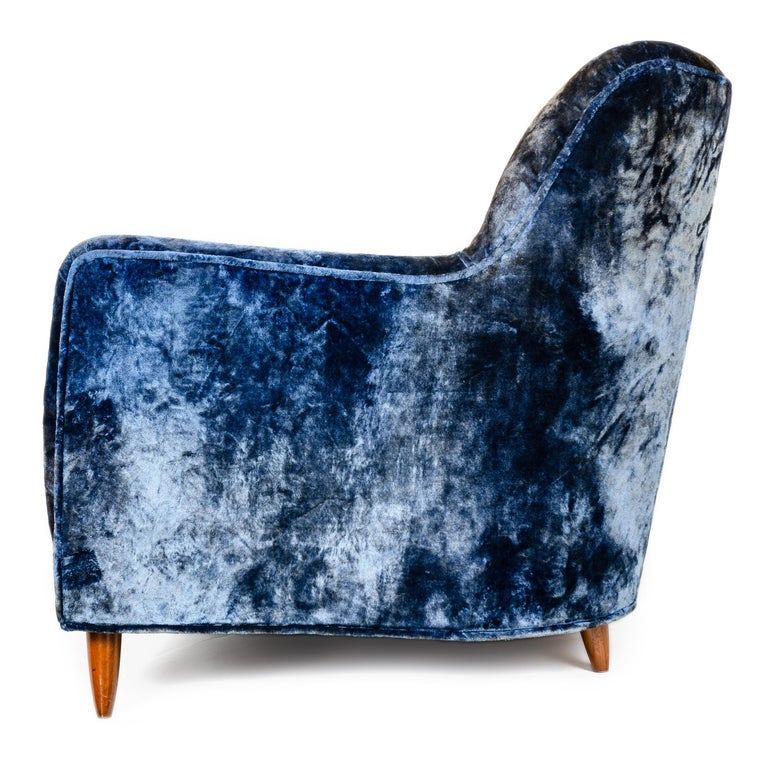 1950s Two-Piece Velvet Sofa in the Style of Gio Ponti In Good Condition For Sale In Sagaponack, NY
